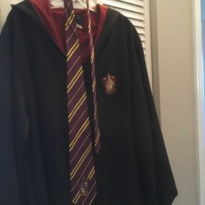 Gryffindor Harry Potter robe and tie